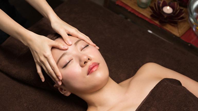 Japanische Kopfmassage